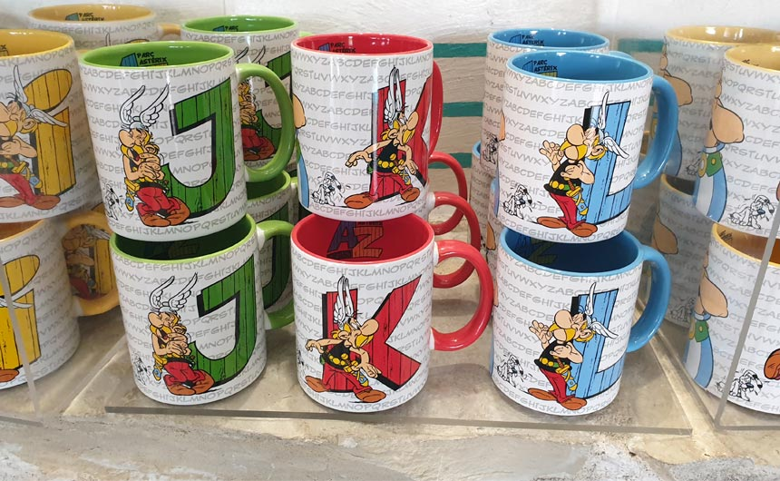 A range of initial mugs feature a cleverly designed Asterix alphabet.