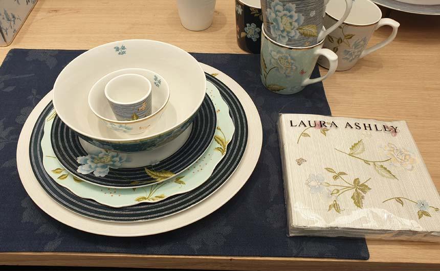 Dutch licensee Wegter Consumerten BV had two Laura Ashley collections.