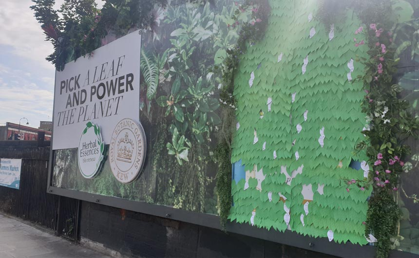 An interactive poster further helped to promote the tie up between Kew and Herbal Essences.