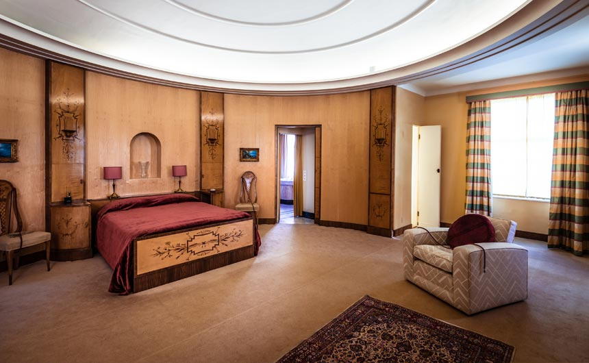 Eltham Palace boasts 19 acres of award winning gardens and a striking Art Deco mansion.